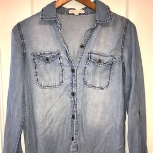 Denim chambray button up collared blouse
